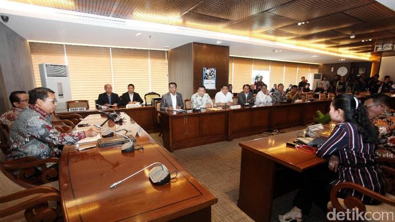 Ahli DPR Ngotot Dorong Angket - Jakarta Ketua Asosiasi Pengajar Hukum Tata Administrasi Negara Bivitri Susanti mengatakan pembentukan pansus hak angket KPK adalah kegiatan