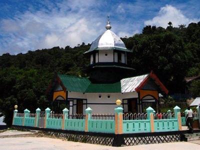 Masjid Pertama di Papua, Jangan Kaget Melihatnya