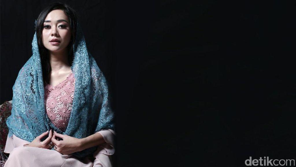 Dari SPG hingga Miss Indonesia Kiprah Aura Kasih di Dunia Model