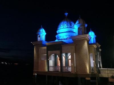 Masjid Terapung dengan Kubah 7 Cahaya di Palu