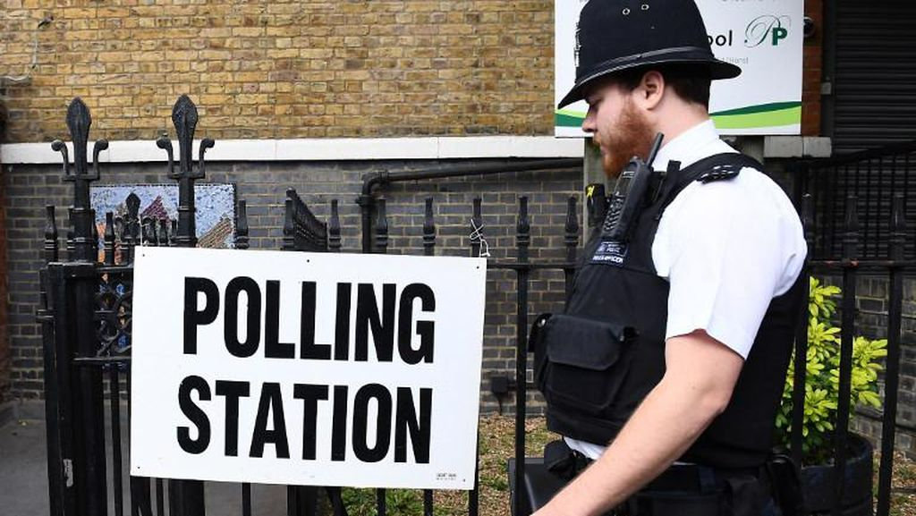 Masih Dibayangi Teror, 49 Juta Warga Inggris Ikut Pemilu Awal