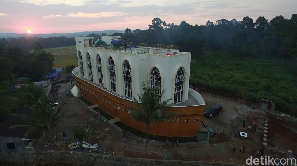 Masjid Kapal Nabi Nuh di Semarang yang Viral di Medsos