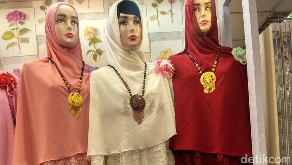 Gamis Nagita Slavina, Baju Lebaran yang Paling Dicari di Tanah Abang