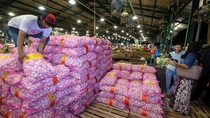 Puluhan Ton Bawang Putih di Surabaya Dijual Rp 20 Ribu/Kg
