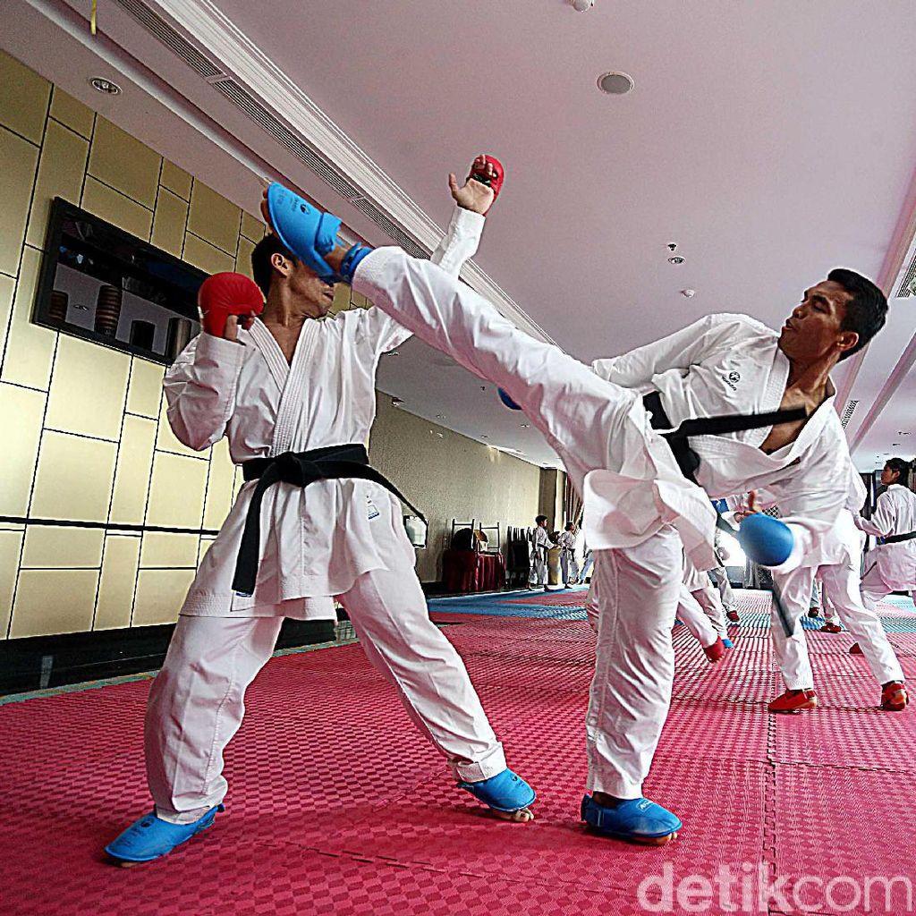 Nasib Timnas Karate: Gaji Telat, Tanpa Peralatan Tanding, Hotel Numpang