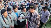 Rektor UGM dan Mendagri Lepas 5.982 Mahasiswa KKN