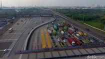 Potret Gerbang Tol Cikarang Utama dari Ketinggian