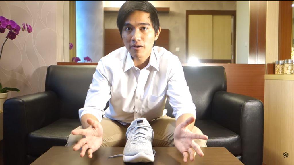 Tentang Blusukan Jokowi yang Ditemani Sneaker Pilihan Kaesang