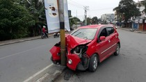 Diduga Mabuk, Pengemudi Mobil Tabrak Tiang Listrik di Abepura