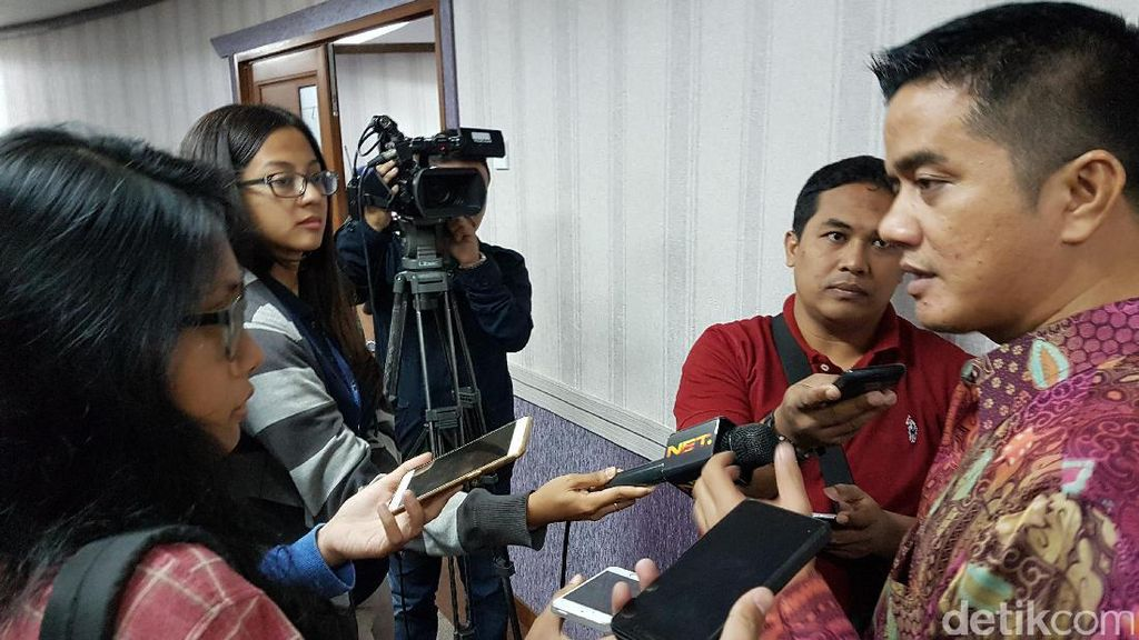 Kepincut Cowok di Medsos, Ibu Muda Diperas Rp 500 Miliar