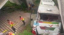 Bus Terjun ke Kolong Tol Merak, 3 Orang Tewas dan 19 Luka-luka
