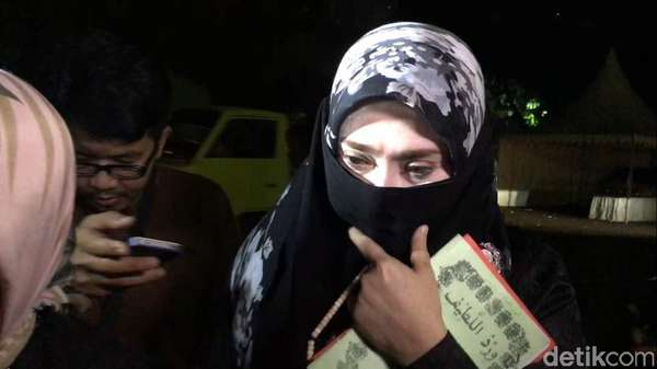 Usai Diperiksa 9 Jam, Firza Husein: Semua Sudah Dibantah!