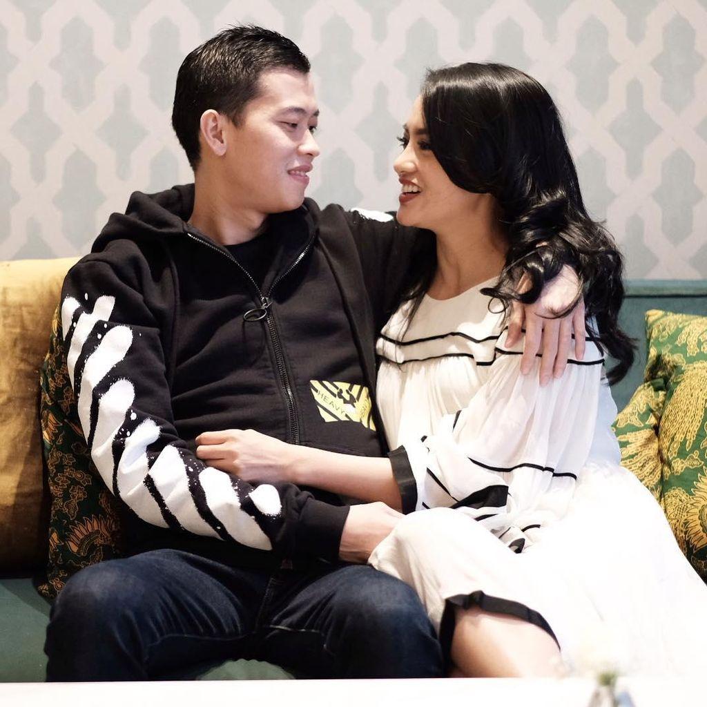 Ririn Ekawati Kenang Momen Lebaran Bareng Suami yang Mualaf