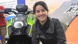 Sangar di Sirkuit, Sabrina Sameh Lumer Jalan Raya
