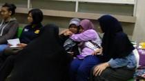 Tangis Pecah Saat Keluarga Korban Tewas KA vs Mobil Tiba di RSCM