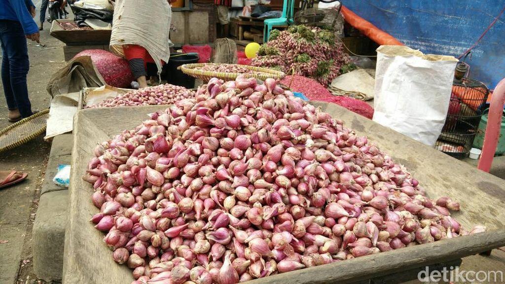 Bawang Merah di Pasar Kramat Jati Rp 35.000/Kg, Cabai Rp 30.000/Kg