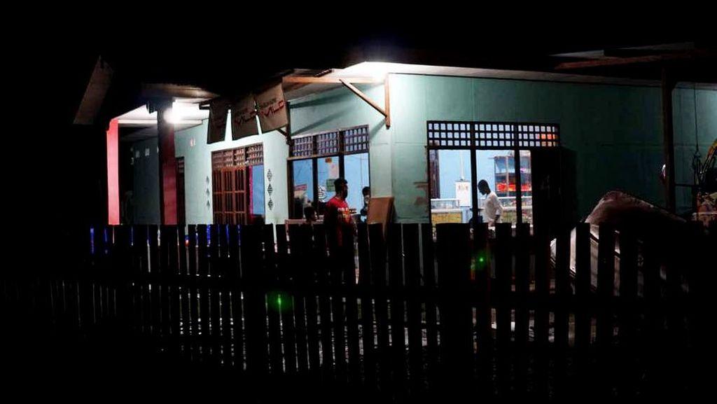 Desa di Pedalaman Papua Ini Sudah Terang Benderang