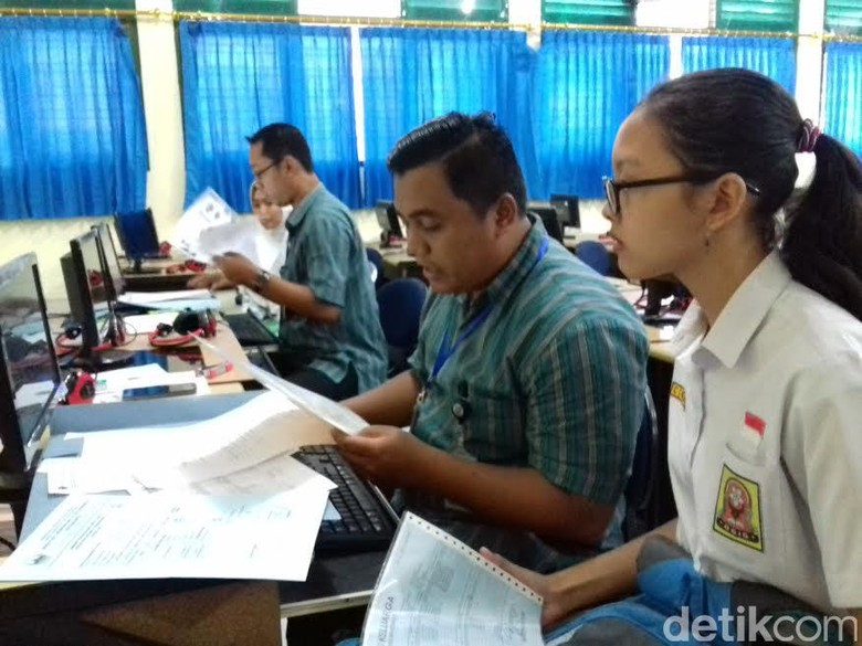 Polemik PPDB, Pimpinan DPR Minta Penerbitan SKTM Diperketat