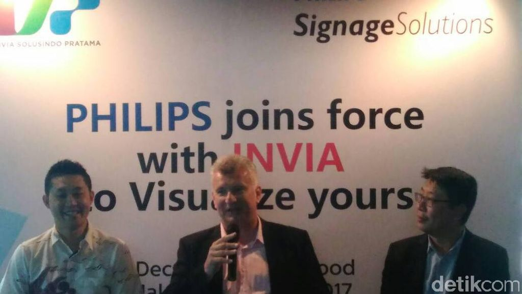 Phillips Incar Bisnis Digital Signage di Indonesia