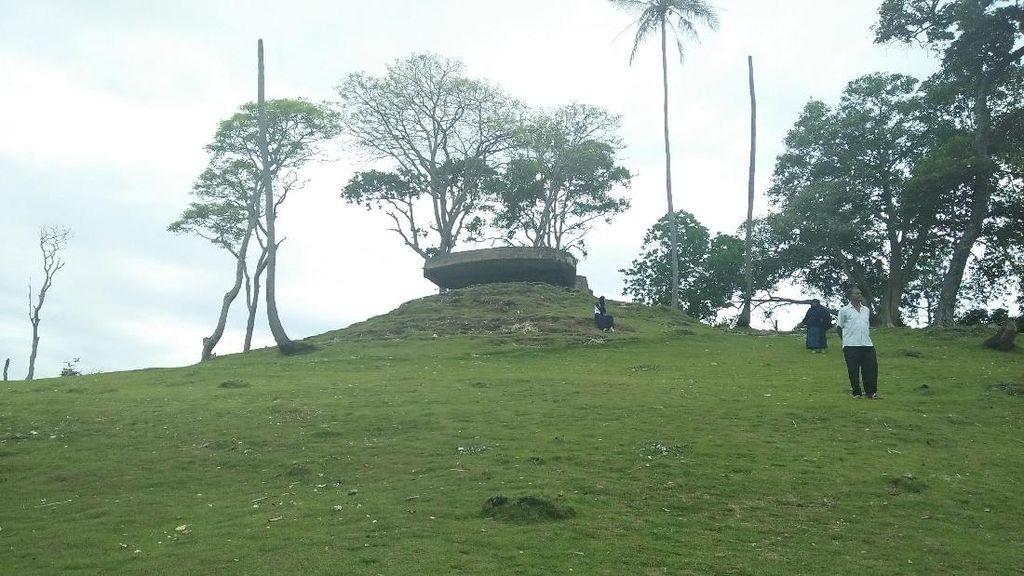 Bukannya Mistis, Bunker Jepang Ini Malah Memesona