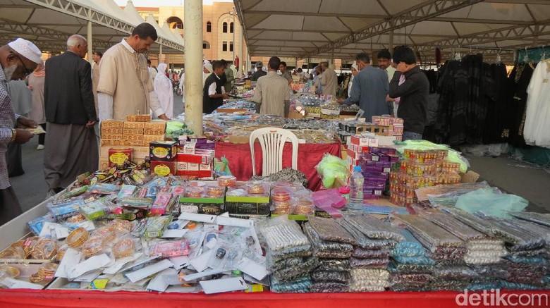 Foto: Suasana pasar di Madinah (Fitraya/detikTravel)