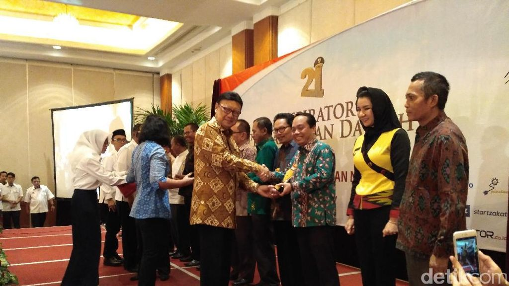 Mendagri Ajak Kepala Daerah Berprestasi Tiru Jokowi Jadi Presiden
