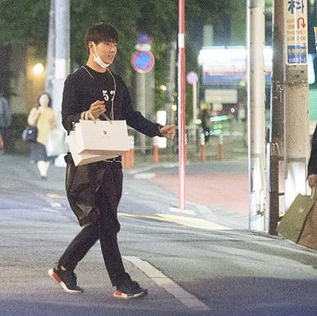 Selamat! Son Yeon Jae dan Jonghun FT Island Resmi Pacaran