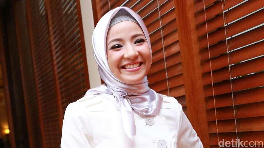 Senyuman Natasha Rizky Nggak Bikin Diabet Kok Guys!