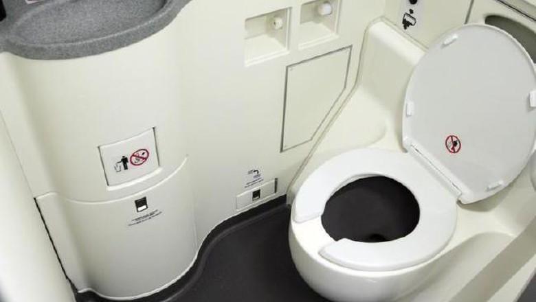 Ilustrasi toilet pesawat (dok. Thinkstock)