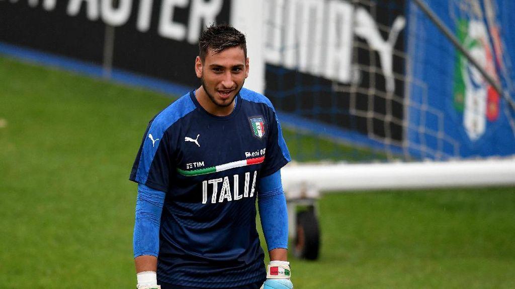 Alasan Suporter Milan Lempari Donnarumma dengan Uang Palsu