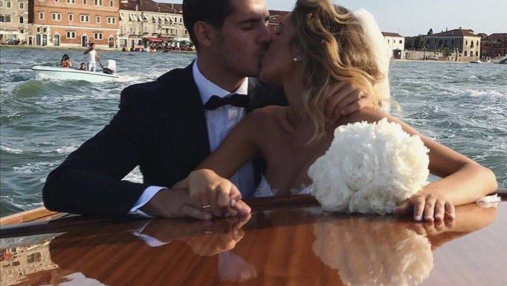 Istri Morata Ketahuan Follow Instagram MU... Eh, Langsung Unfollow