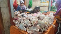 Di Malang, Harga Ayam Naik Bawang Putih Turun