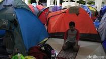 Hamparan Tenda dan Doa untuk Bertemu Malam Lailatul Qodar