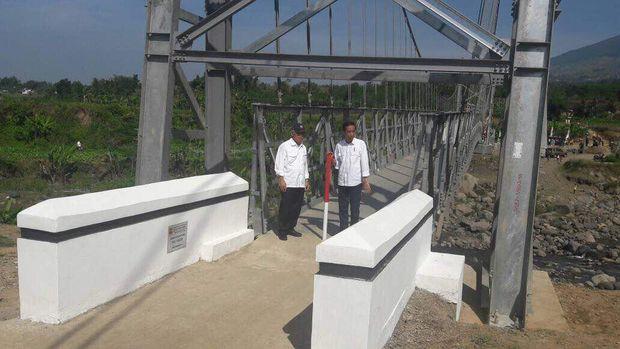 Penampakan Jembatan Gantung yang Diresmikan Jokowi di Temanggung