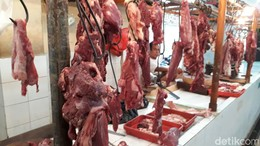 Daging Sapi Naik, Pedagang: Ngambil di Pengepul Rp 120.000/Kg
