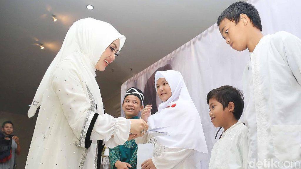 Syahrini Doakan Jupe Bersama 2500 Ayak Yatim