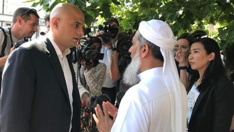 Datangi TKP Penabrakan Jemaah, Menteri Inggris: Ini Kejahatan Kebencian