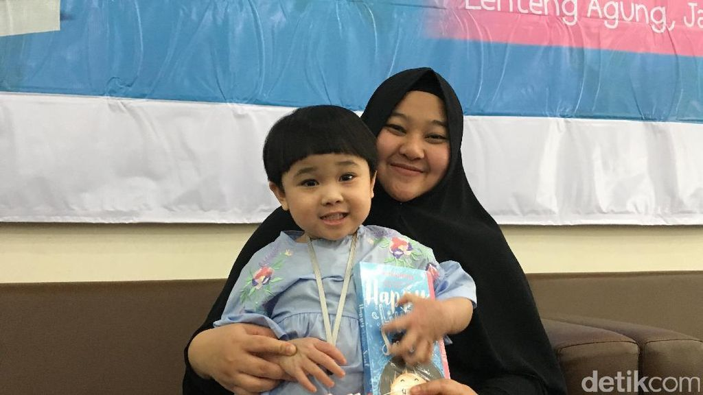 Tinggal di Luar Negeri, Selebgram Anak Kirana Tak Lupa Indonesia