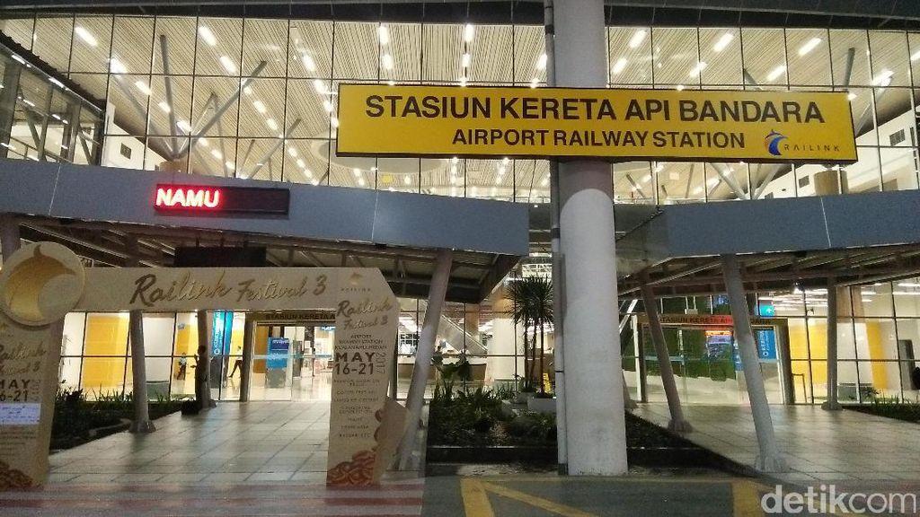 Ini Rasanya Naik Kereta Bandara Kualanamu