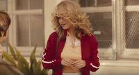 Gaya <i>Jadul</i> ala Selena Gomez di Video Klip Bad Liar