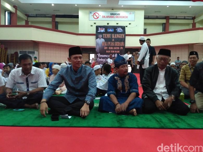 Agus Yudhoyono Berbuka Puasa Bersama dengan Pendukung di Jaktim
