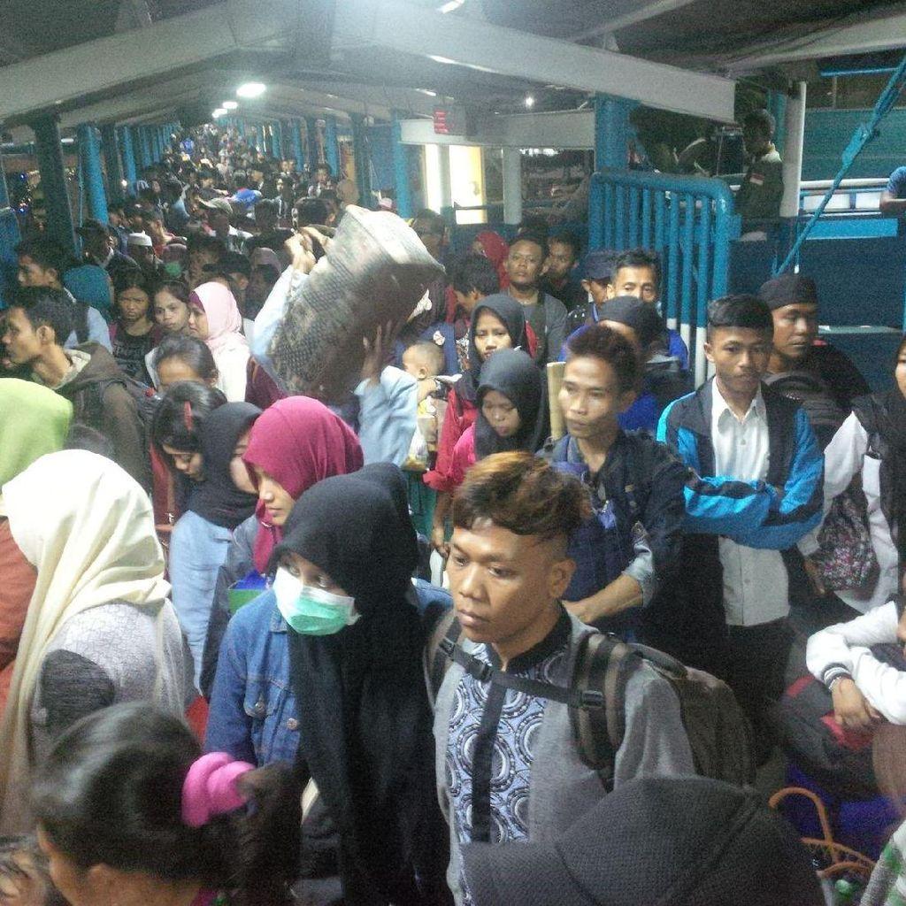 777 Ribu Pemudik Belum Kembali dari Sumatera ke Jawa via Merak