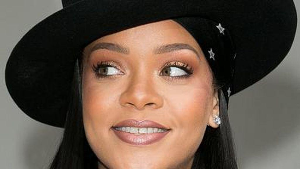 Pacaran dengan Pengusaha Arab, Rihanna Mengaku Suka Pria Berbudaya