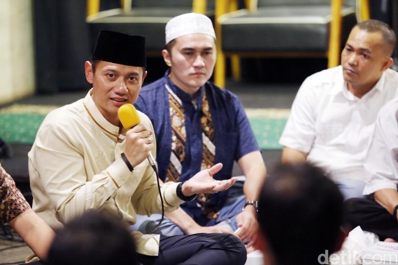 Ditanya Target Jangka Pendek di - Jakarta Agus Harimurti Yudhoyono telah menjajaki dunia politik Agus akan serius menekuni karir baru seserius karir yang dia
