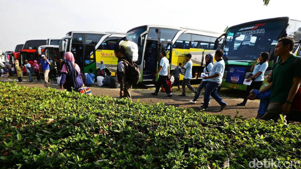 Ribuan Warga Jawa Tengah Mudik Gratis dari Jakarta