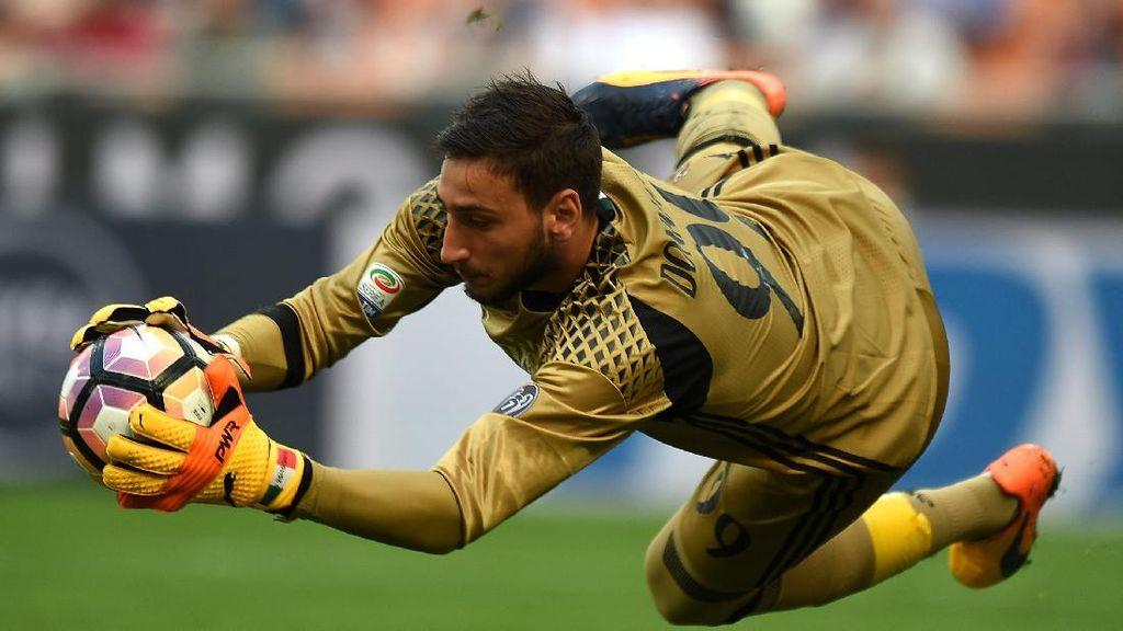 Ultras Milan Desak Donnarumma Pecat Raiola