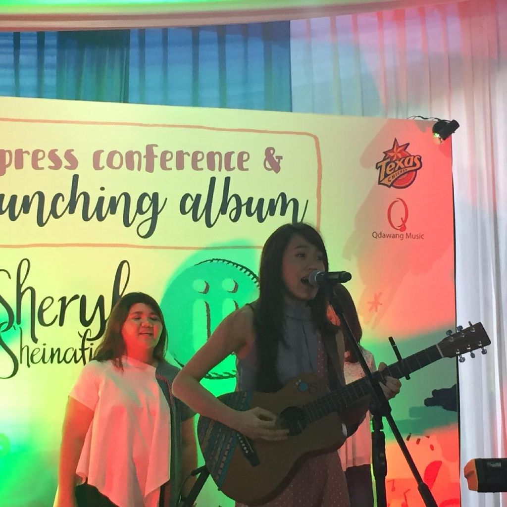 Sheryl Sheinafia Akui Garap Album ii Serius