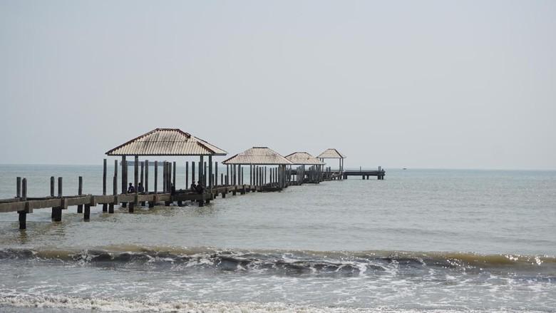 Mudik ke Tegal, Wajib ke Pantai Ini