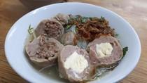 Bakso Mas Dino: Enaknya Bakso Rawit dan Bakso Ayam Cincang yang Kenyal Gurih