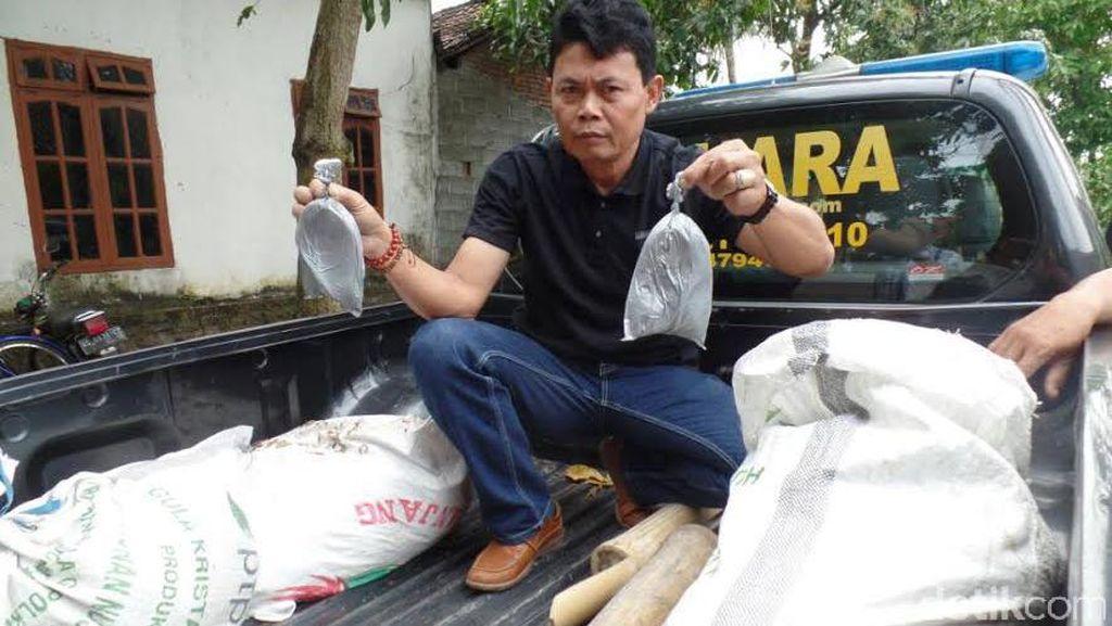 100 Kg Bahan Peledak Ditemukan Tergeletak di Halaman Rumah Kosong